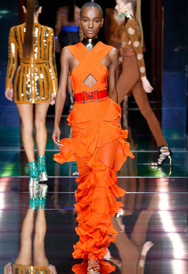 Цвет мандарина в одежде и аксессуарах