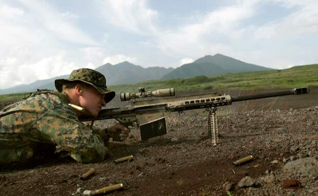 Крупнокалиберная снайперская винтовка Barrett M82 или легкая пятидестка