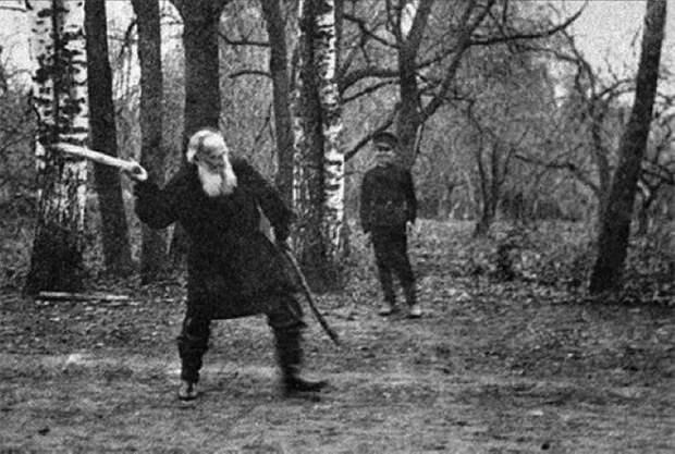 Несколько подробностей о Льве Толстом