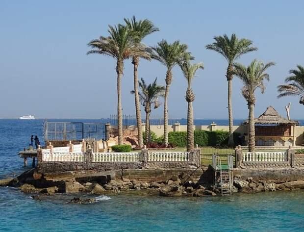 На египетские курорты после шестилетнего перерыва отправились первые российские туристы