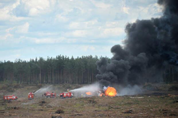 """Место крушения военного вертолета Ми-28 на полигоне """"Дубровичи"""""""