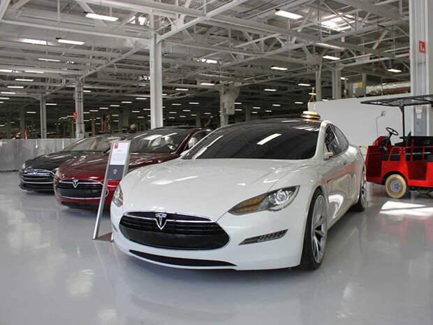 Экскурсия на завод, где Tesla собирает свою новую Model X