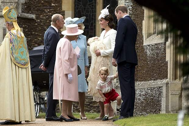 Как зарабатывают на принцессе Шарлотте