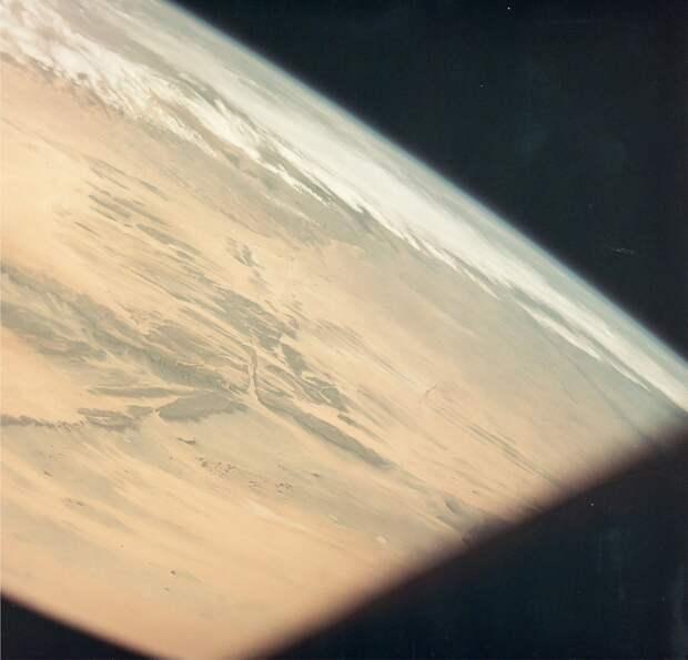 1969, март. Земной горизонт над Западной Африкой