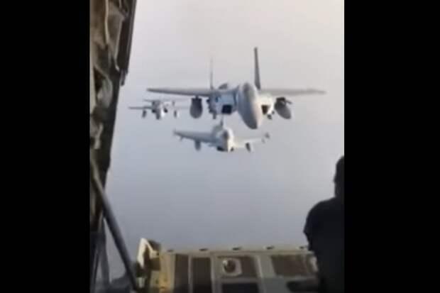 Летчик ВВС США не смог повторить авиационный трюк российского коллеги