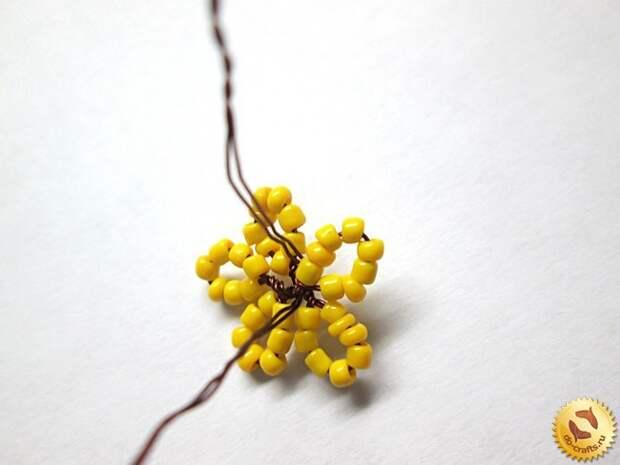 Лилии из бисера 15