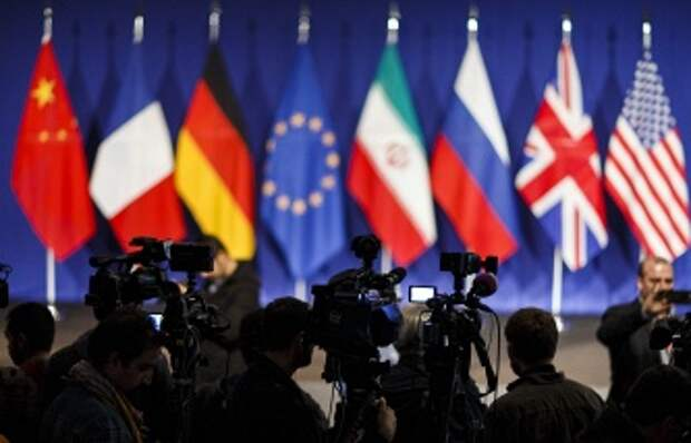 """Керри надеется, что сделка Ирана с """"шестеркой"""" возможна 12 июля"""
