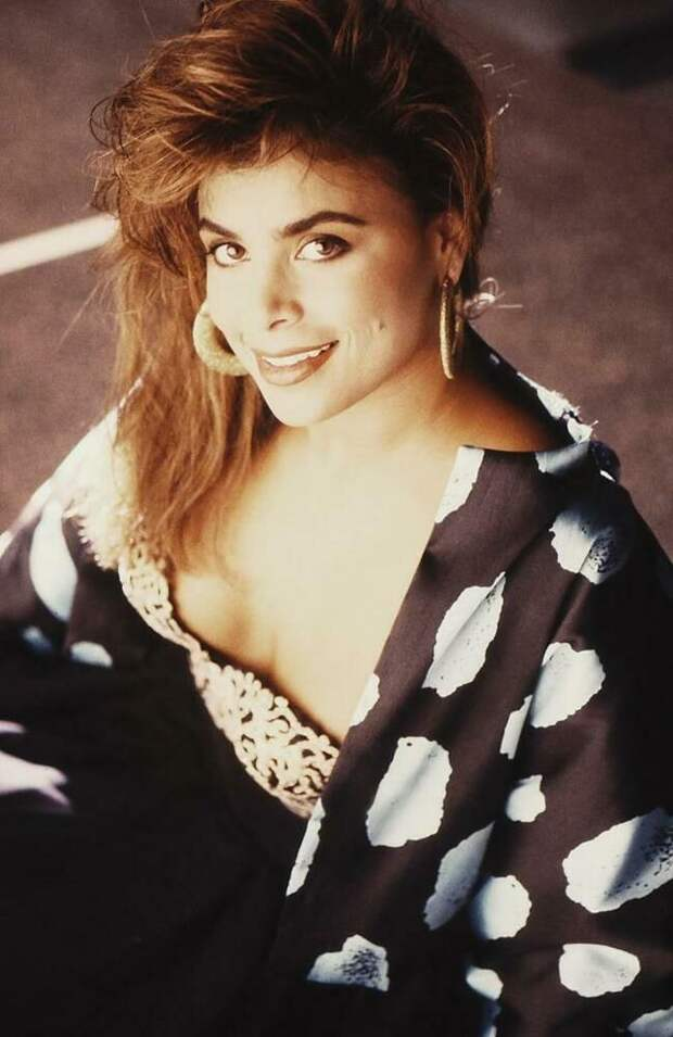 Как сейчас выглядит самая красивая танцовщица 90-х