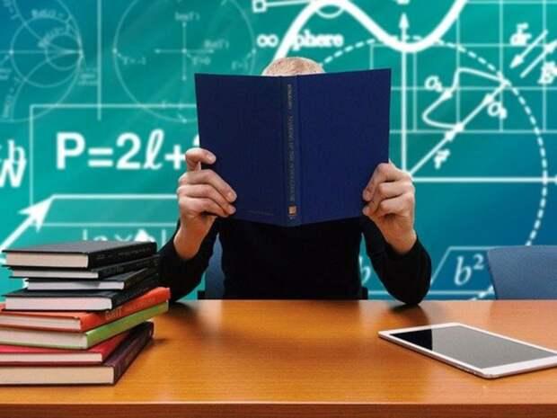 Минобрнауки «обстоятельно обсудит» варианты начала нового учебного года с учетом ситуации с ковидом