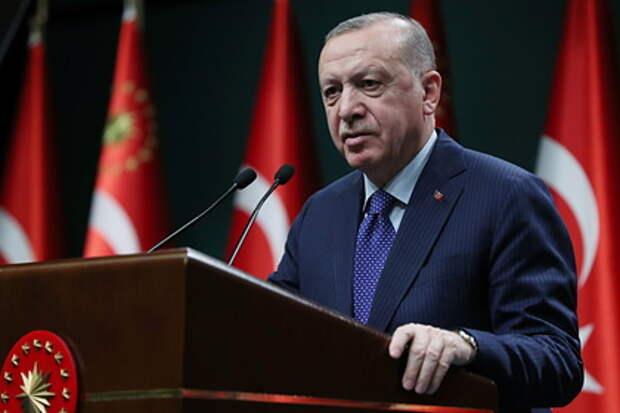 В Турции ответили назвавшему Эрдогана «диктатором» премьеру Италии