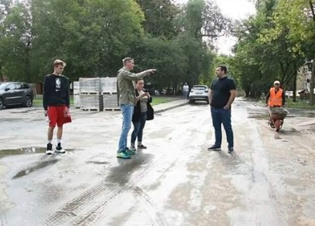 Коммунальщики очистят крыши гаражей на Онежской