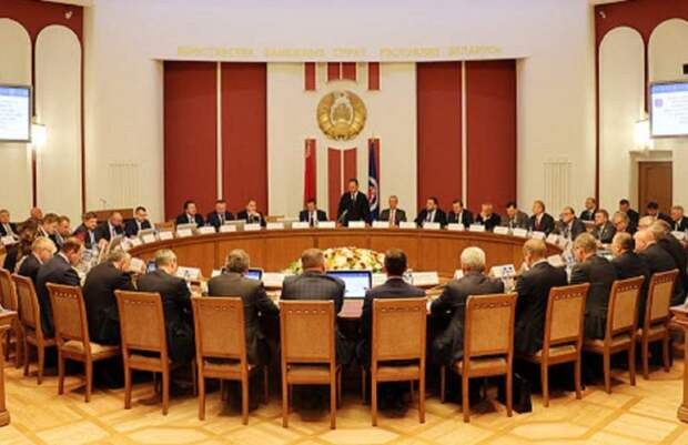 Правительство Беларуси создало группу по противодействию санкциям Запада