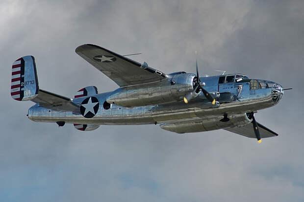 KCRA Channel 3: ночью в США разбился бомбардировщик В-25