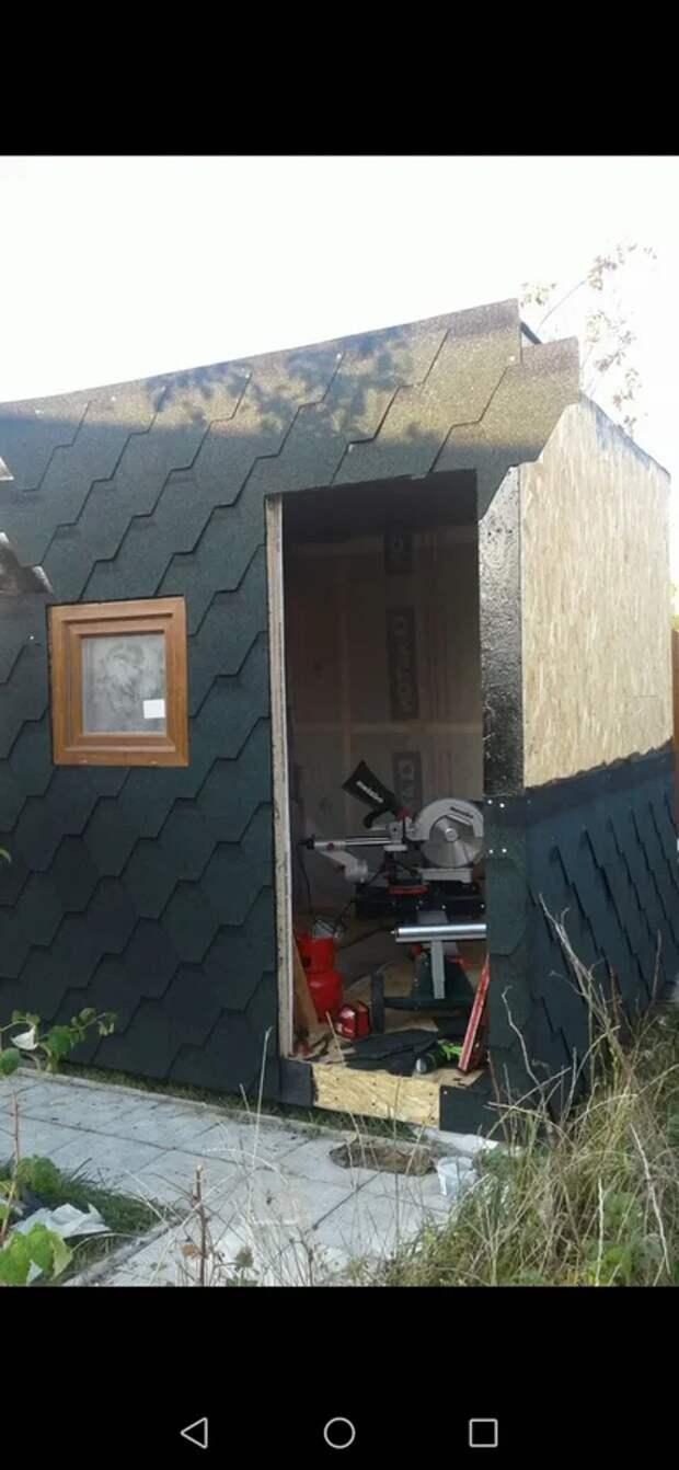 Самый маленький дом 2х2 метра за 100 000 рублей.