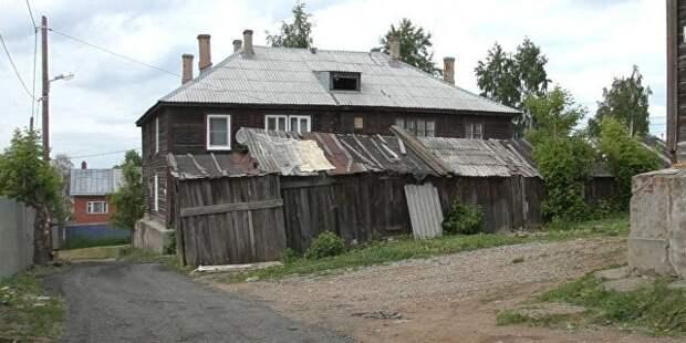 Путин приехал в гости к ижевчанке, пожаловавшейся на аварийное жилье