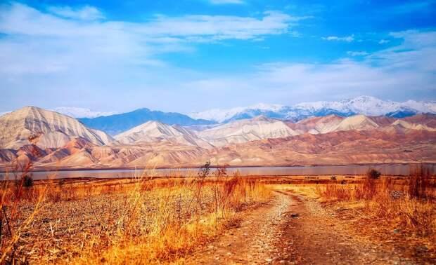 В Киргизии объявили траур по жертвам перестрелки на границе с Таджикистаном