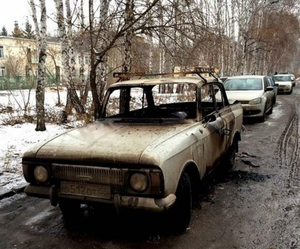 Про то, как омскому пенсионеру сожгли машину и чем всё это закончилось