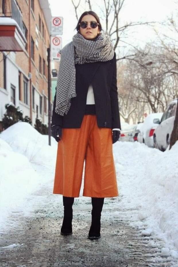 Высокие сапоги и костюмные брюки — как сочетать
