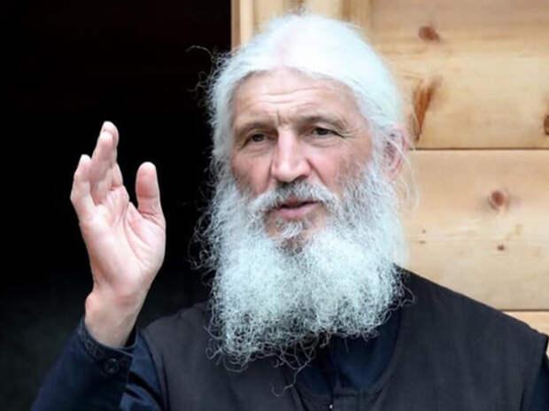 На суд опальный священник приходит не собирается - как и покидать монастырь