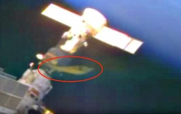 В Сети появилось новое видео с жутким НЛО рядом с МКС (ВИДЕО)