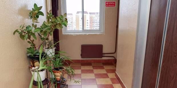 По просьбе жителей в доме на Полярной заменили лампочки