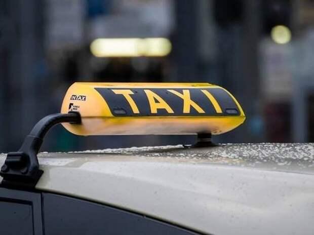 СМИ сообщили о возможности увеличения нелегальных такси в России