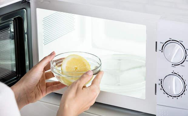 5 способностей микроволновки. Получаем лимонный сок и превращаем молоко в пену для капуччино