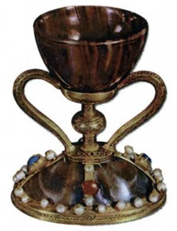 Кубок, хранящийся в кафедральном соборе Валенсии