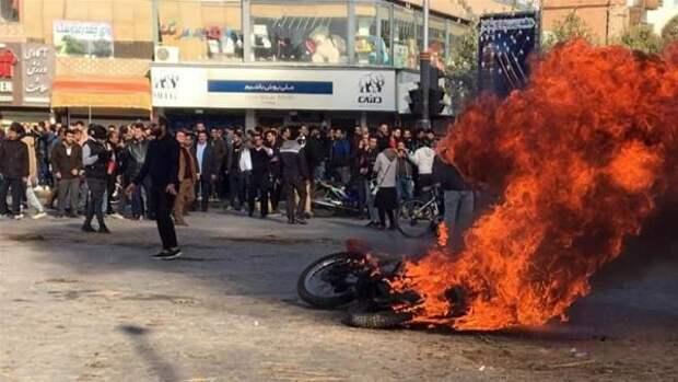 Лондонские правозащитники приписали иранскому протесту более 200 жертв