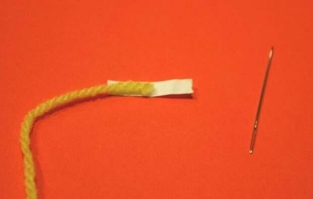 Как легко продеть толстую нить в ушко иголки