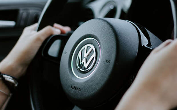 VW отзывает автомобили из-за отказа подушек безопасности