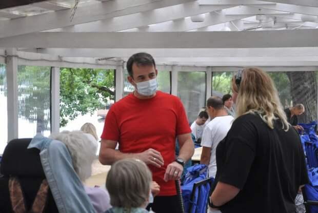 Дмитрий Певцов выступил за расширение помощи инвалидам