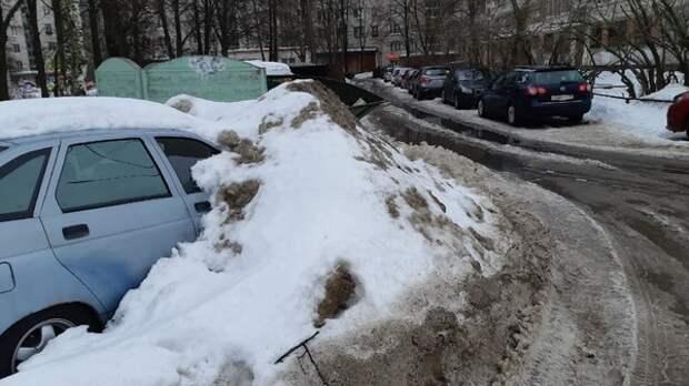Кремль открестился от уборки снега в Петербурге