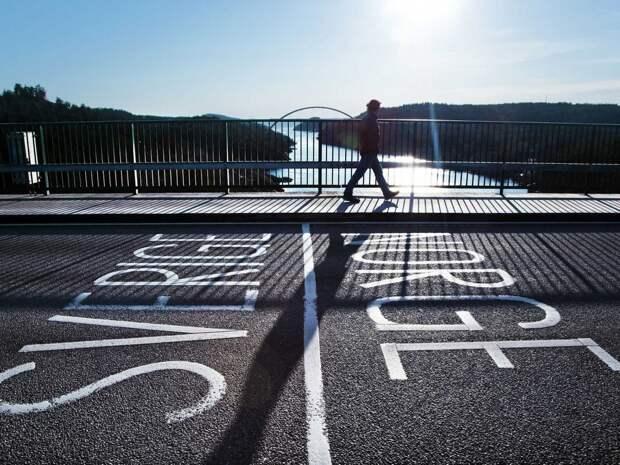 """Швеция до 14 февраля закроет границу с Норвегией из-за """"британского"""" штамма коронавируса"""