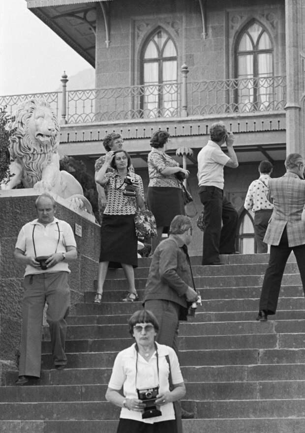 Что Советский Союз разрешал смотреть иностранным туристам (ФОТО)
