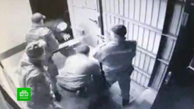 В Новосибирске конвойный застрелил задержанного при попытке побега