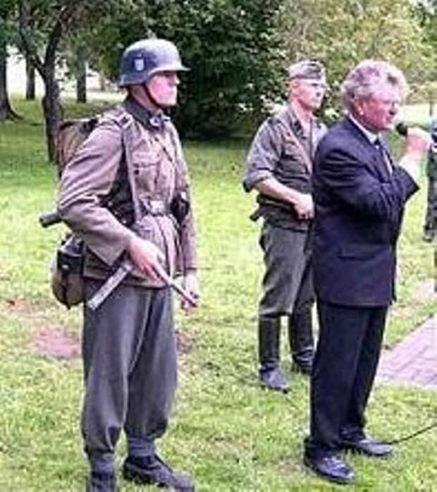 Эстонские ветераны СС провели сбор на горе Синимяэ
