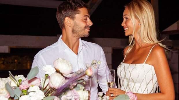 Лопырева показала фотографии со дня рождения в свадебном платье
