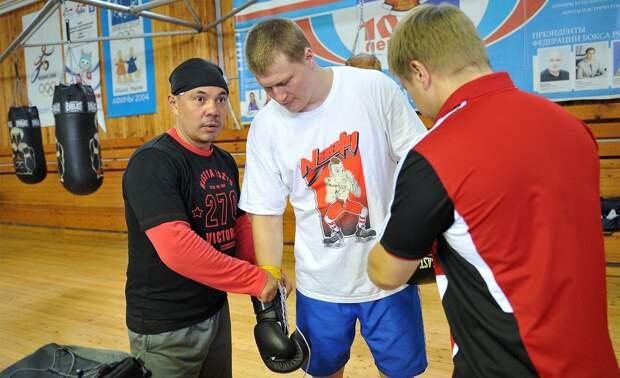 Дрался с Кличко незадолго до Евромайдана, называл себя язычником, выиграл Олимпиаду. Русский боксер Поветкин