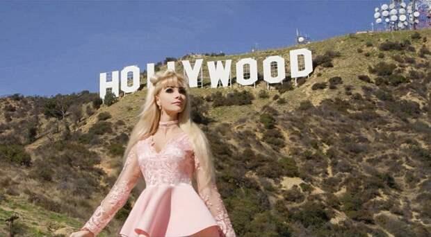Таня Тузова, известная русская Барби, сняла клип на песню Зависима