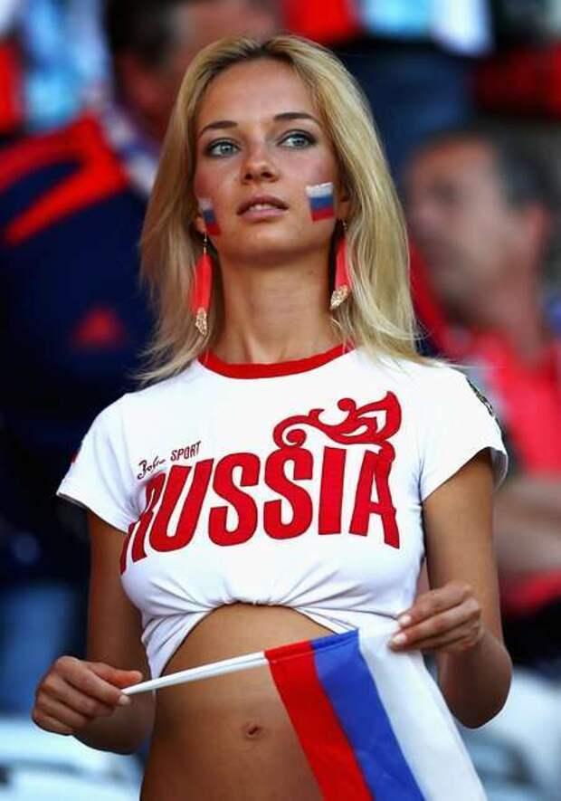Российскую болельщицу нашли в порно (ФОТО)