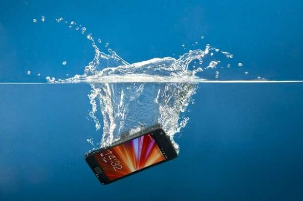 Какие смартфоны не боятся воды?