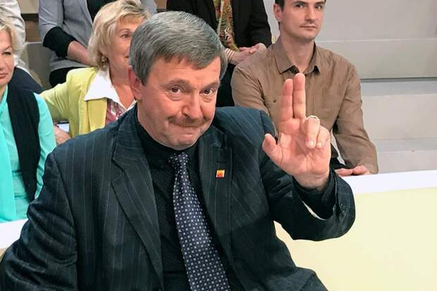 Григорий Амнуэль представляет либеральное лицо Первого канала, где не угасают скандалы