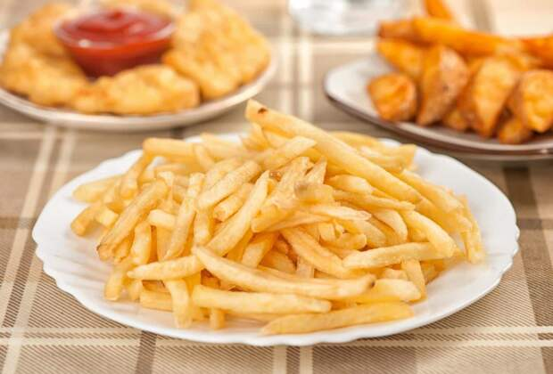 Чем вреден фастфуд и что происходит с телом, когда вы его едите