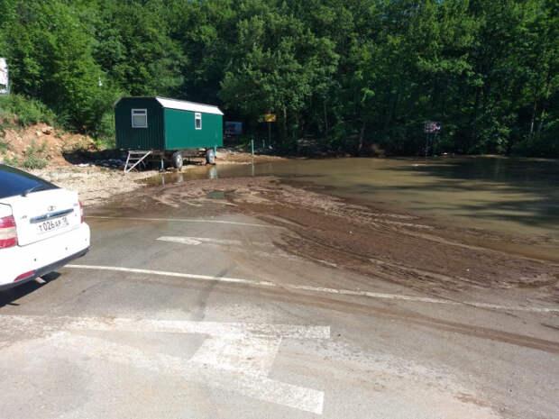 В Севастополе детей из лагеря «Горный» вывезут после потопа