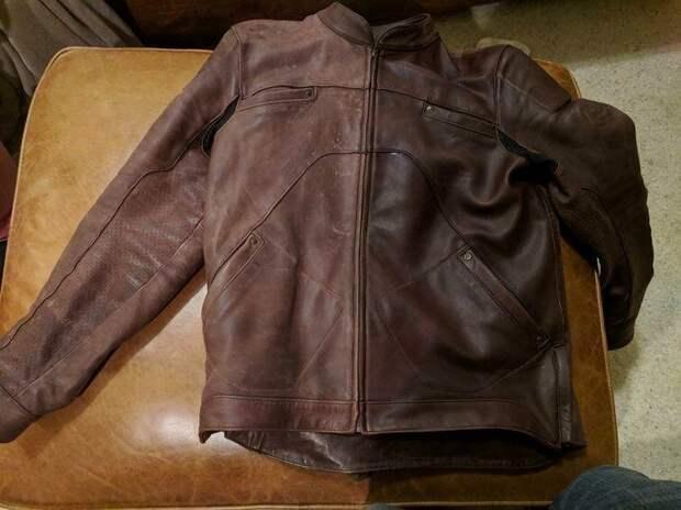 Реставрация кожаной куртки, которая немного истрепалась от езды (слева — до, справа — после) было стало, вещи, очумелые ручки, реставрация, своими руками