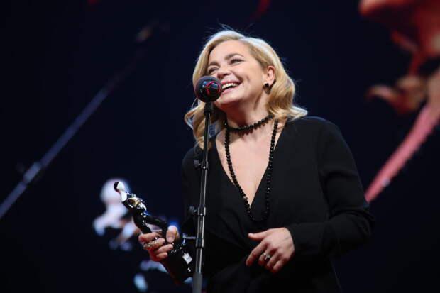 Елизавета Боярская и Владимир Машков стали лауреатами премии «Звезда театрала»