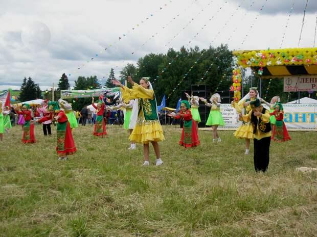 Борьба, конные скачки, праздник чая: 15 июня в Удмуртии пройдет «Сабантуй»