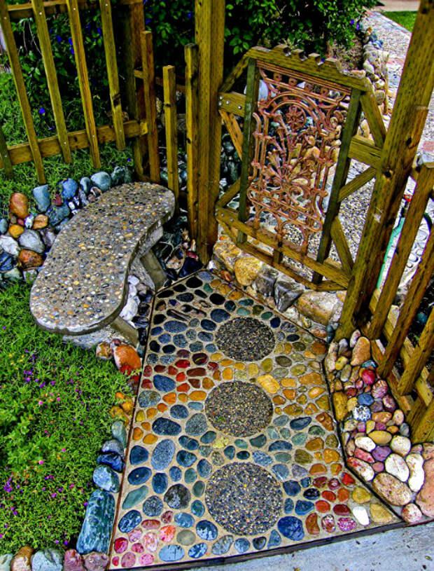 Мозаичная дорожка из гальки. | Фото: МирТесен.