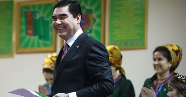 Президент Туркменистана побывал у Врат Ада, но вернулся к работе